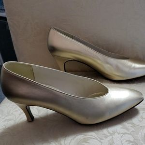 Stuart Weitzman Gold Heels Pumps 6.5B